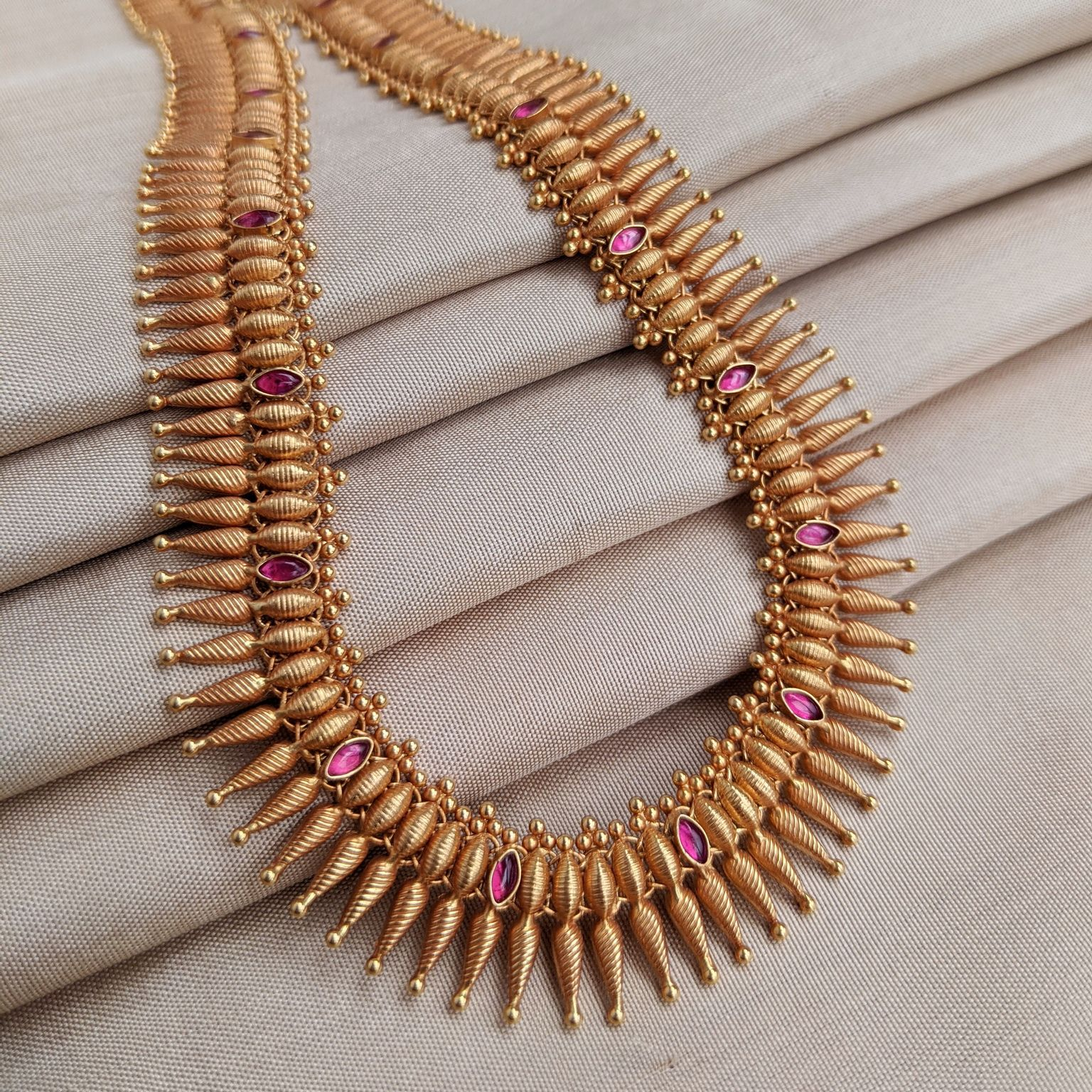 Necklace - Long - Antique Mallige with Cob Ruby | Gujjadi Swarna Jewellers