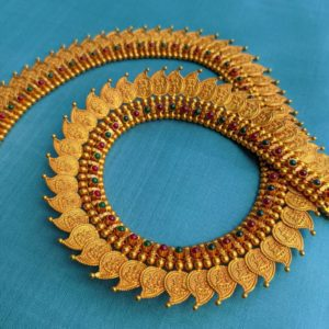 Necklace – Antique Lakshmi Mango Shape Kasu Cob Ruby Emerald